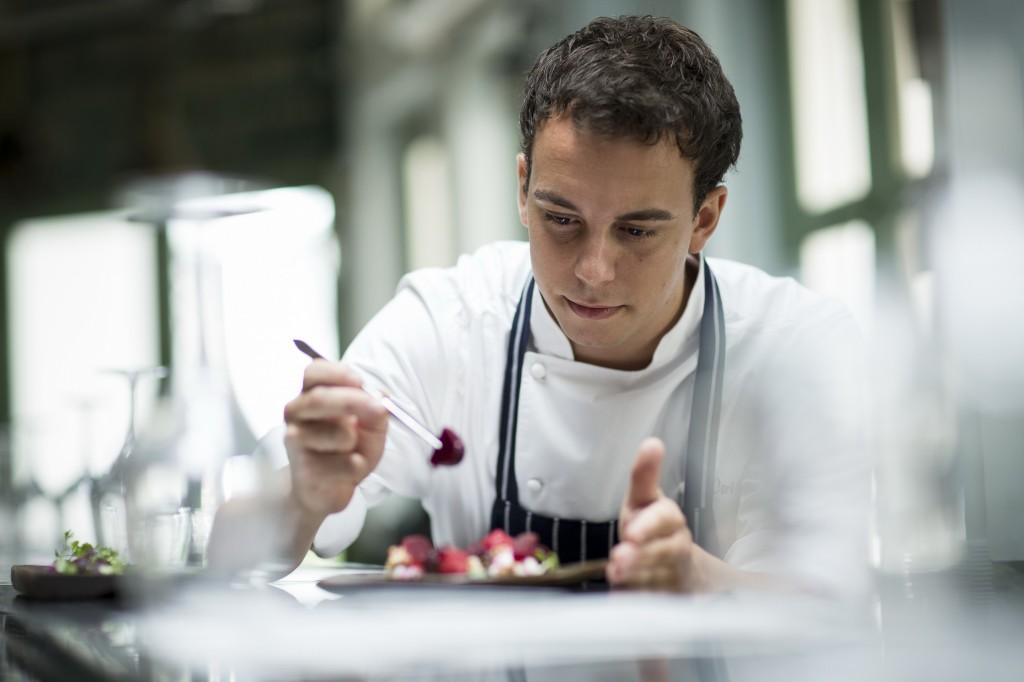 03 Chef Carlos in action.