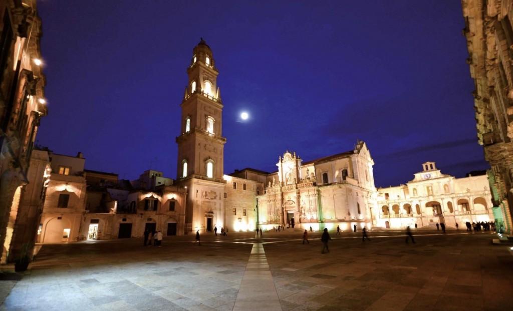 Lecce Duomo Square rid