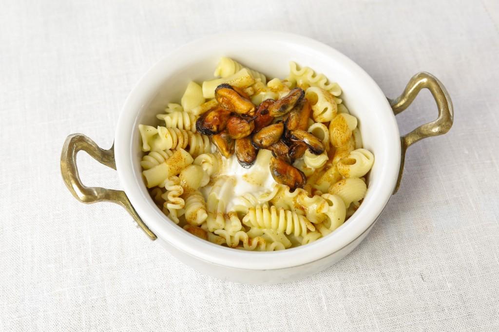 3) Pasta Mista con Cozze, Zucchine e Ragusano