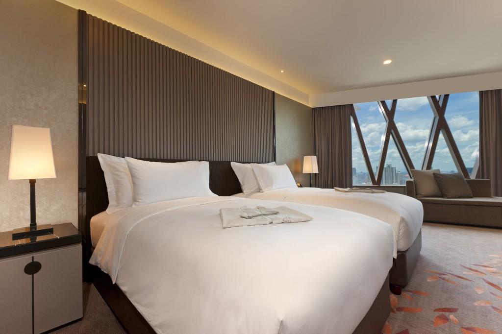 Deluxe Suite_Bedroom_2