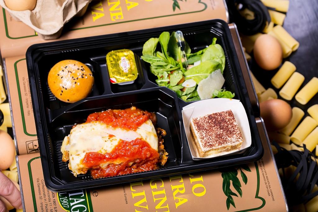"""""""Beef Lasagna"""" Box 188 baht"""